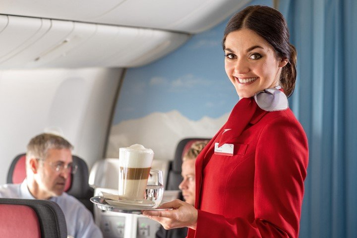 Pros and Cons of Being a Flight Attendant